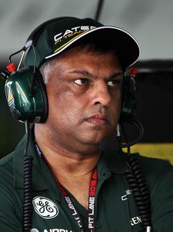 Tony Fernandes, Caterham Team Principal
