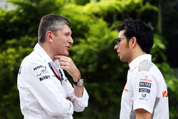 Nick Fry, Mercedes AMG F1 Chief Executive Officer with Sergio Perez, McLaren
