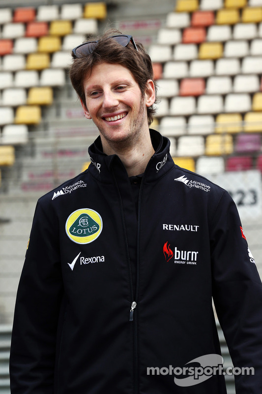 Romain Grosjean, Lotus F1 Team caminha no circuito