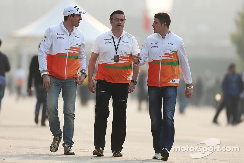 Adrian Sutil, Sahara Force India F1 met Andy Stevenson, Sahara Force India F1 Team Manager en Paul d