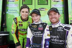 Danica Patrick, Stewart-Haas Racing Chevrolet and Brian Vickers, Joe Gibbs Toyota