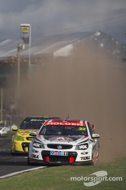 Jamie Whincup da Red Bull Racing Australia vence a corrida 2