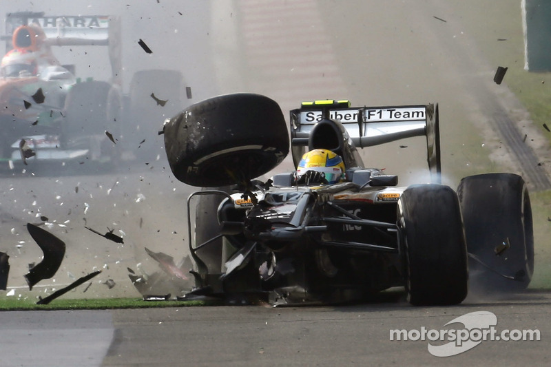 Zware crash voor Esteban Gutierrez, Sauber C32
