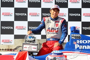 Victory circle: race winner Takuma Sato, A.J. Foyt Enterprises Honda