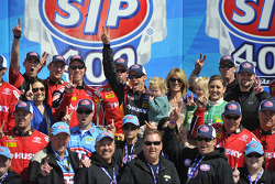 Victory lane: race winner Matt Kenseth, Joe Gibbs Racing Toyota