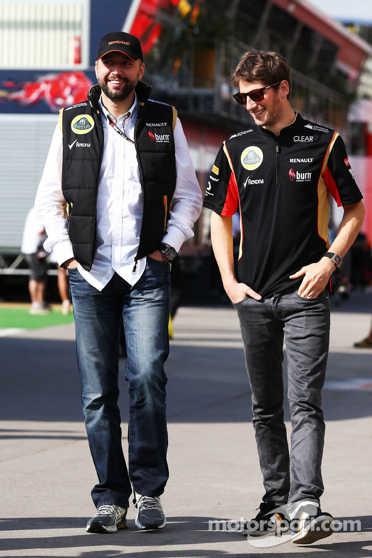 (Da esquerda para direita): Eric Lux, CEO da Genii Capital, com Romain Grosjean, Lotus F1 Team