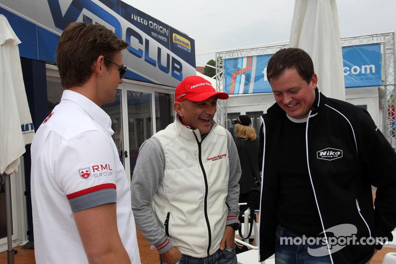 (L naar R): Tom Chilton, Chevrolet Cruze 1.6 T, RML, Gabriele Tarquini, Honda Civic, Honda Racing Team J.A.S.  en Michel Nykjaer, Chevrolet Cruze 1.6T, Nika Racing