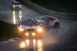 #122 Häggenas Auto SE Seat Leon Supercopa (SP3T): Jonas Carlsson, Anders Carlsson, Mikeal Olsson e #169 BMW Z4 Coupé (V6): Alexey Vermenko, Sergey Borisov crash