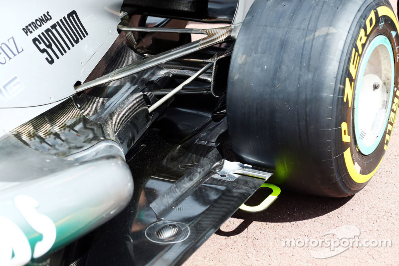 Mercedes AMG F1 W04 rear suspension and exhaust detail