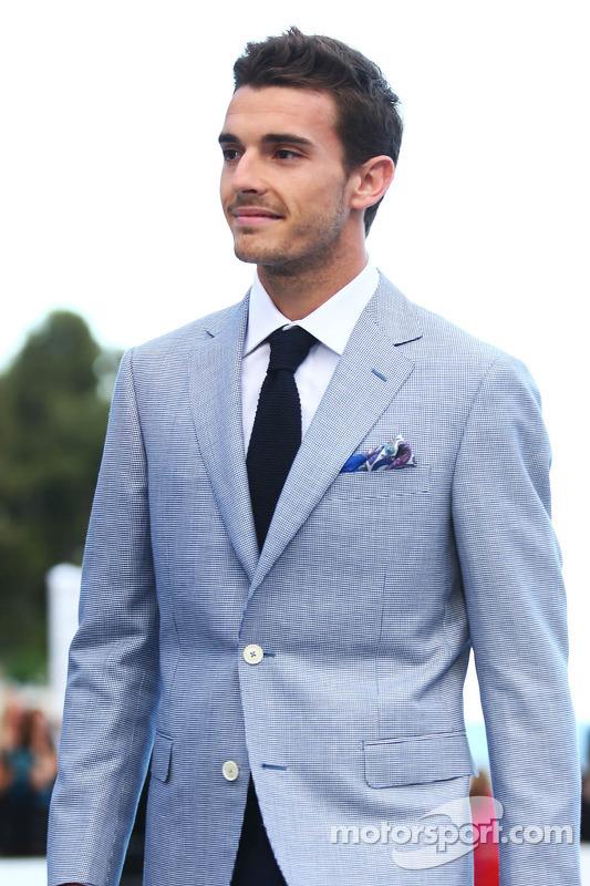 Jules Bianchi, Marussia F1 Team bij de Amber Lounge Fashion Show
