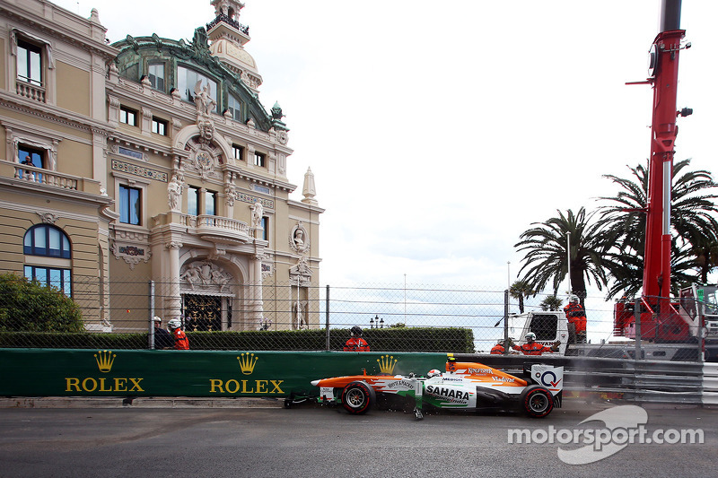 Adrian Sutil, Sahara Force India VJM06 crasht in de derde training