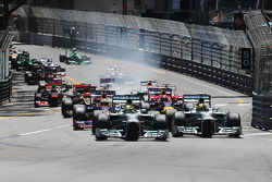 Start: Nico Rosberg, Mercedes AMG F1 W04 and team mate Lewis Hamilton, Mercedes AMG F1 W04 lead