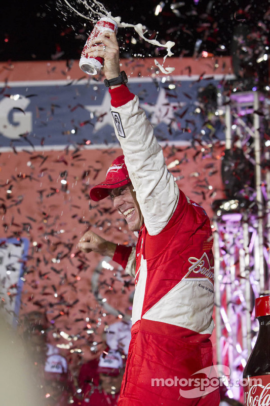 O vencedor Kevin Harvick, Richard Childress Racing Chevrolet