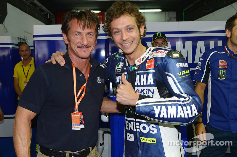 Acteur Sean Penn met Valentino Rossi, Yamaha Factory Racing