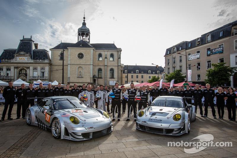 #77 Dempsey Racing - Proton Porsche 911 GT3-RSR: Patrick Dempsey, Joe Foster, #88 Proton Competition