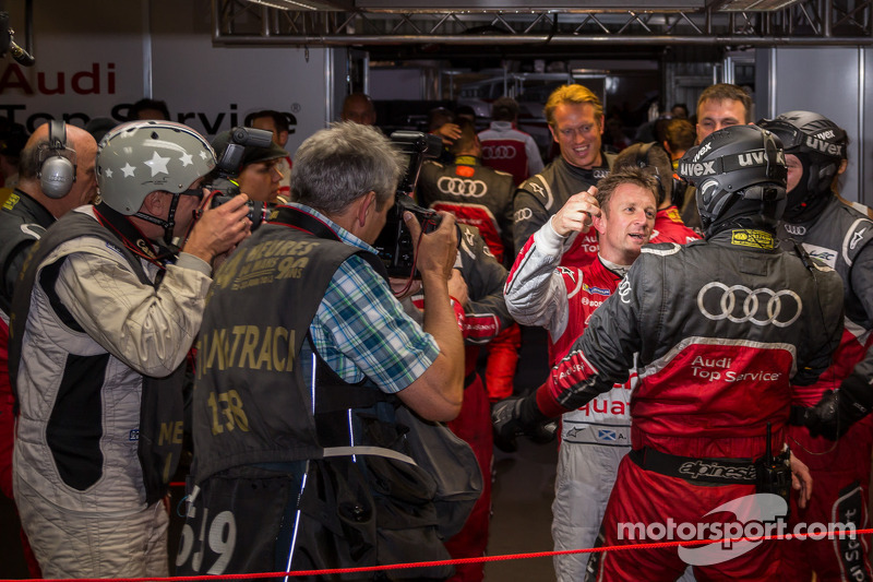 Allan McNIsh met Brad Kettler na het veroveren van de pole position voor de 24 uur van Le Mans