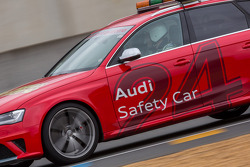 Audi Safety car de baan opgestuurd na Allan Simonsen's fatale crash in Tetre Rouge
