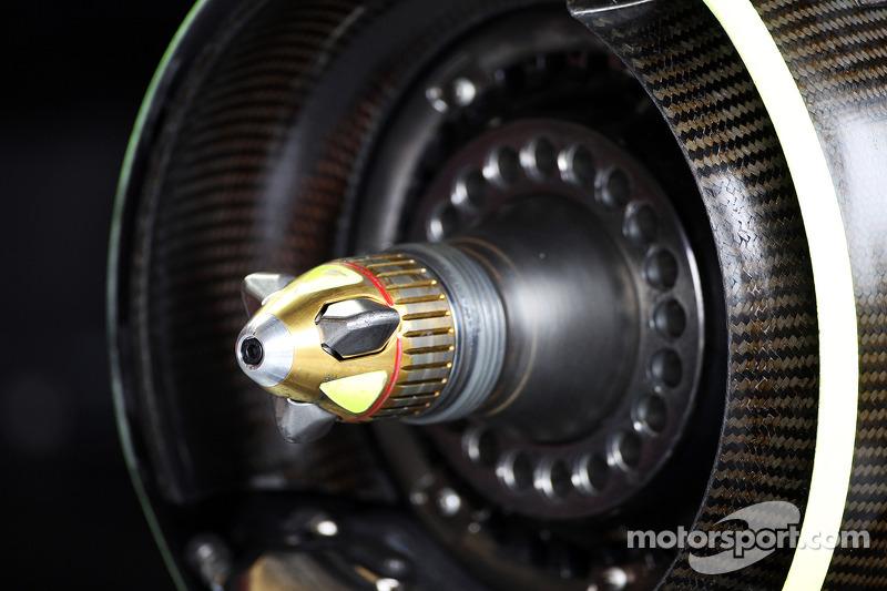 Red Bull Racing RB9 wheel