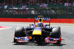 Mark Webber Red Bull Racing RB9 en la parrilla