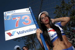 Gridgirl of Fredy Barth, Wiechers Sport BMW E90 320 TC