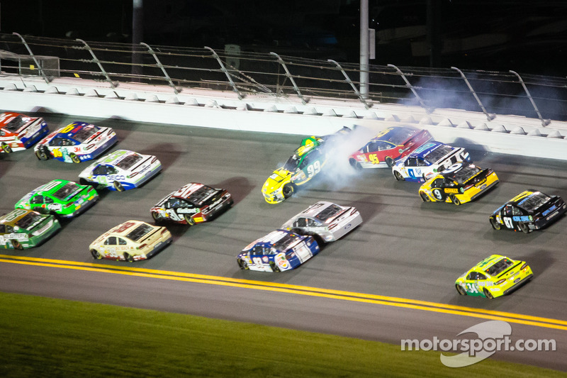Carl Edwards, Roush Fenway Racing en Scott Speed, Ford crash