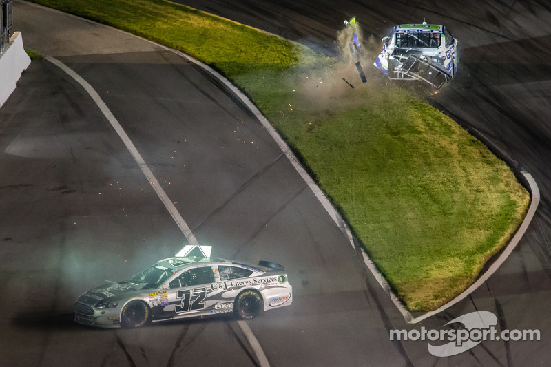 Terry Labonte, Stoddard Ford and Casey Mears, Germain Racing Ford crash
