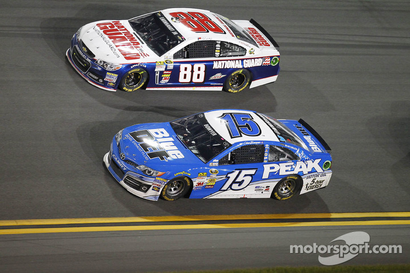 Clint Bowyer en Dale Earnhardt Jr.