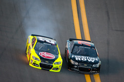 Paul Menard, Richard Childress Racing Chevrolet in trouble