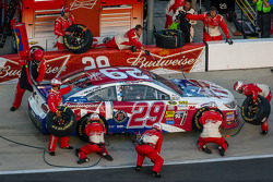 Pit stop for Kevin Harvick, Richard Childress Racing Chevrolet