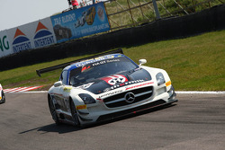 #28 Seyffarth Motorsport Mercedes SLS AMG GT3: Karun Chandhok, Jan Seyffarth