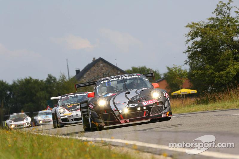 #83 SMG Challenge, Porsche 997 GT3R: Olivier Pla, Eric Clement, Nicolas Armindo