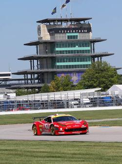 #61 R.Ferri/AIM Motorsport Racing with Ferrari Ferrari 458: Max Papis, Jeff Segal