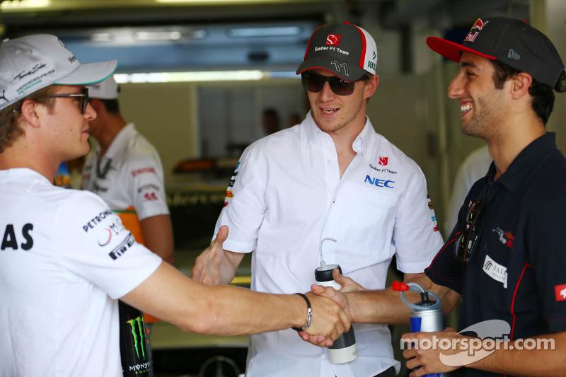 (L naar R): Nico Rosberg, Mercedes AMG F1 met Nico Hulkenberg, Sauber en Daniel Ricciardo, Scuderia