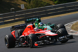Jules Bianchi, Marussia F1 Team MR02 y Charles Pic, Caterham CT03