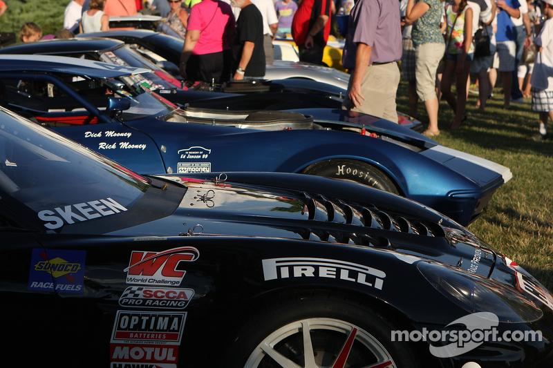 Corvette racewagens bij het Friday Concours in Elkhart Lake.