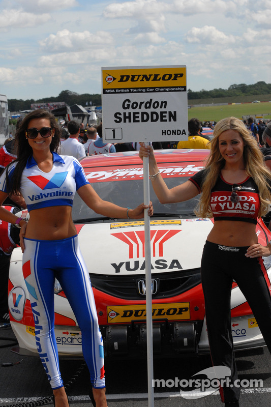 Honda Yuasa Grid Girls
