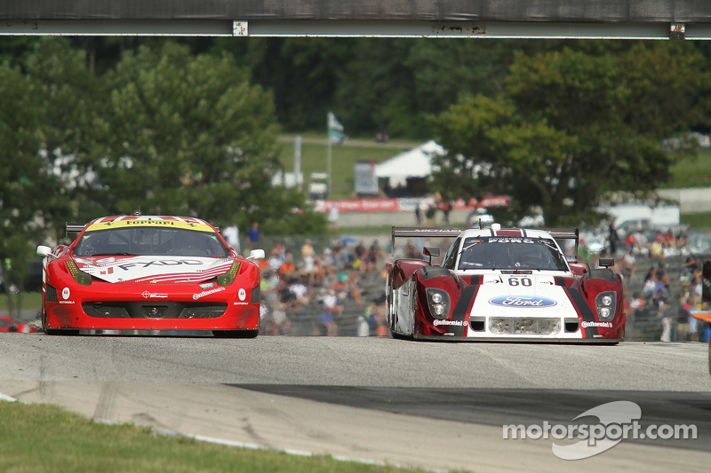 #69 AIM Autosport Ferrari 458: Emil Assentato, Anthony Lazzaro #60 Michael Shank Racing Ford/Riley: