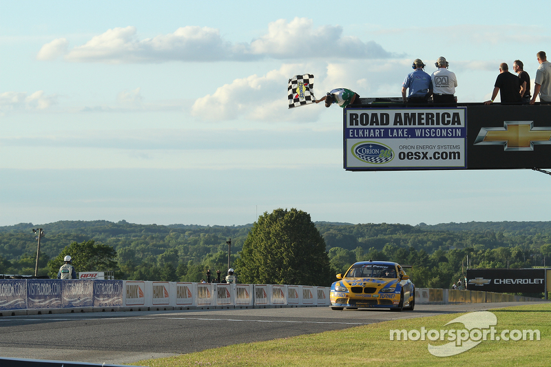 #94 Turner Motorsport BMW M3: Paul Dalla Lana, Bill Auberlen pakt de overwinning