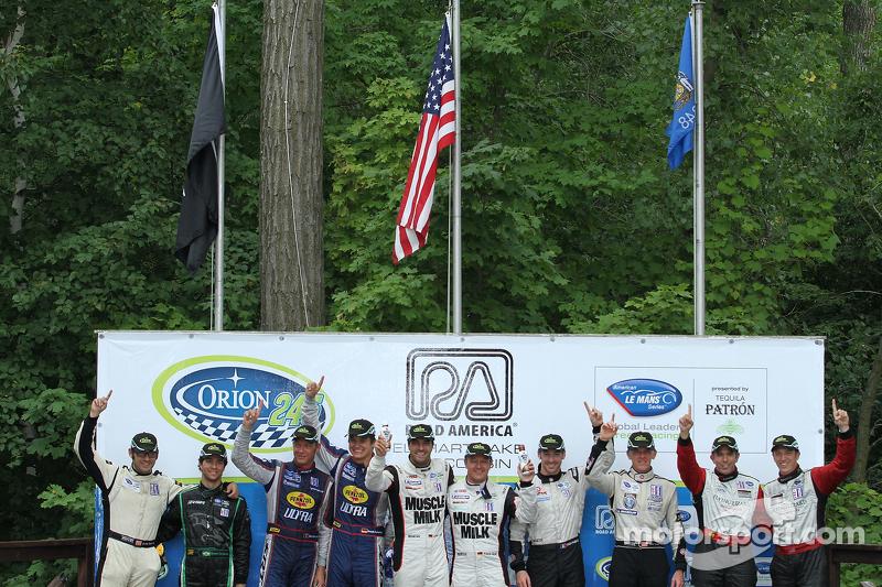 Klasse-winnaars podium: PC-winnaars Bruno Junqueira, Duncan Ende, GT-winnaars Dominik Farnbacher, Ma