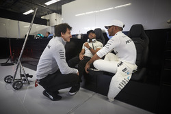Toto Wolff, Executive Director Mercedes AMG F1, Lewis Hamilton, Mercedes AMG F1, Nick Hamilton