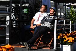 Zsolt Baumgartner, pilote biplace F1 Experiences et Patrick Friesacher, pilote biplace F1 Experiences