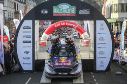 Juara dunia Sébastien Ogier, Julien Ingrassia, Ford Fiesta WRC, M-Sport bersama tim
