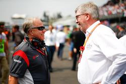 Gene Haas, propriétaire Haas F1 Team, Ross Brawn, manager sportif FOM
