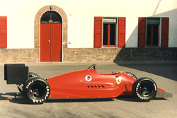 Retrospectiva de Ferrari 637