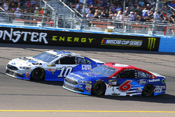 Danica Patrick, Stewart-Haas Racing Ford and Trevor Bayne, Roush Fenway Racing Ford