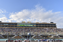 Ryan Preece, Joe Gibbs Racing Toyota y Cole Custer, Stewart-Haas Racing Ford