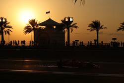 Sebastian Vettel, Ferrari SF70H lâche des étincelles