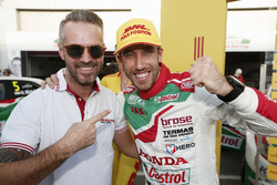Pole position pour Esteban Guerrieri, Honda Racing Team JAS, Honda Civic WTCC avec Tiago Monteiro, Honda Racing Team JAS, Honda Civic WTCC
