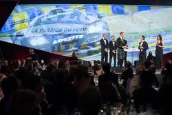 Чемпионы WEC Брендон Хартли, Тимо Бернхард и Эрл Бамбер, Пьер Фийон