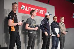 BTCC-kampioenen Matt Neal, Gordon Sheddon, Andrew Jordan, Colin Turkington en Ash Sutton op de Autosport Stage met Henry Hope-Frost